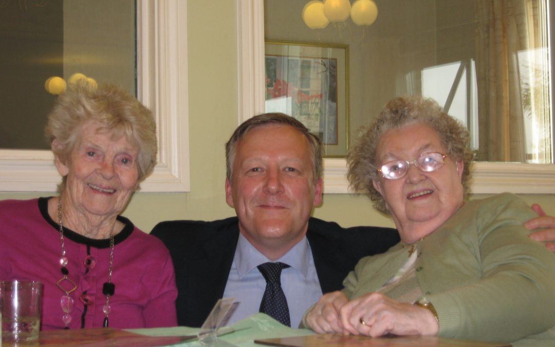 KEVAN_VISITS_WESTERLEIGH_CARE_HOME.jpg