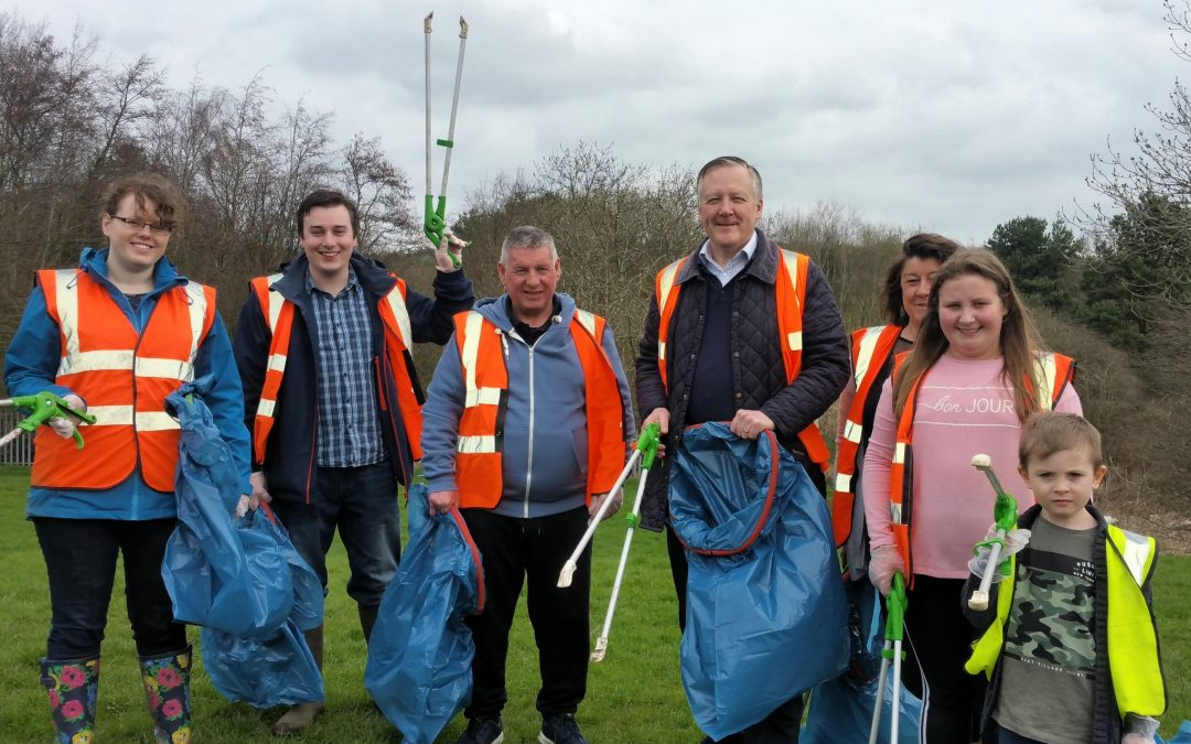 Kevan Supports Community Litter Pick