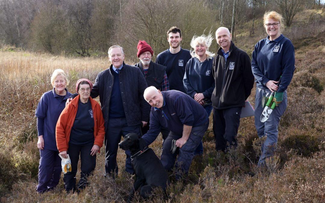 Kevan meets wildlife volunteers