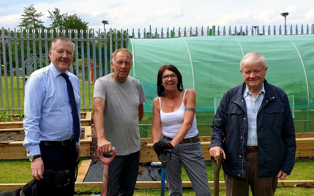 Kevan meets community garden volunteers